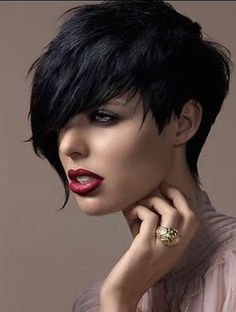 In this blog, you will find 10 funky short hairstyles that you will surely enjoy and love.