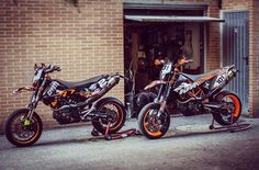 Two of the prettiest 690's from Italy by @andreachiti94 and @barle101 #motardlovers #supermotocentral #supermoto #supermotard #ktm #690smcr #ktm690