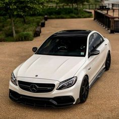 Look at this wonderful Mercedes AMG! What is your favorite amg model? What car would you get if you got to spend on a car? Mercedes Benz C300, Mercedes Auto, Lamborghini Aventador, Ferrari, Bmw, Audi, E63 Amg, Gt R, Lux Cars
