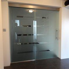 sklenená deliaca stena s posuvnými dverami na klasickom posuvnom systéme Lockers, Locker Storage, Cabinet, Furniture, Home Decor, Clothes Stand, Decoration Home, Room Decor, Closet