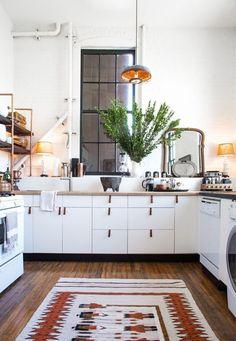 kitchen // white cabinets