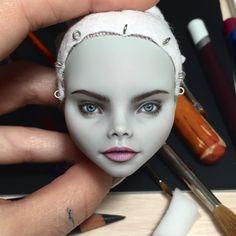 Almoust done! #caradelevingne #ooak #doll #repaint #custom #ghouliayelps #carving #painting #olgakamenetskaya