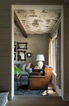 Alecia Stevens is an interior designer, stylist and writer with offices in Charleston, South Carolina and Minneapolis, Minnesota. Cozy Living Rooms, Living Spaces, Provence, Lakeside Cabin, Cabin Lighting, Fresh Farmhouse, Rustic Luxe, Lakefront Homes, Residential Architecture