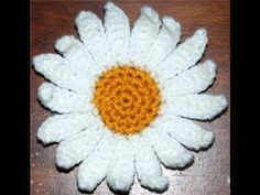 How to Crochet a Daisy Flower Part II - YouTube