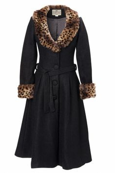 This is the 40s Ashley Coat in black from Collectif Clothing. A lovely coat in a pin-up style with leopard details to keep you warm and dry, as Autumn is coming soon!