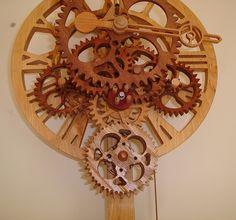 """http://www.designspinka.pl/zegary-z-drewna-unikalna-dekoracja-scian/ Dzięki dużej, niemalże 36 cm tarczy, zegar EXETER będzie stanowił centralny punkt każdego pomieszczenia. Ciekawa konstrukcja oraz spokojne """"Tik Tak""""."""