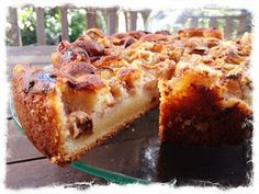 or use pears, figs, apples, peaches. Almond Recipes, Fruit Recipes, Cake Recipes, Dessert Recipes, Cooking Recipes, Sugar Pie, Almond Cakes, Great Desserts, Recipe Using