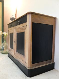 Bahut style Louis Philippe relooké bois et noir Shabby Chic Ikea, Shabby Chic Bedrooms, Vintage Industrial Decor, Industrial Chic, Diy Fireplace, Eclectic Decor, Upcycled Furniture, Home Staging, Furniture Makeover
