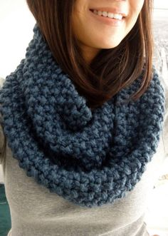 Trendy Ideas For Knitting Scarf Infinity Chunky Scarves Chunky Infinity Scarves, Chunky Knit Scarves, Crochet Scarves, Knit Crochet, Cowl Scarf, Knit Cowl, Infinity Scarf Knitting Pattern, Vogue Knitting, Loom Knitting