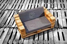 Sofa mit nur 3 Europaletten gemacht