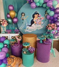 Ameiiii 😍 inspire-se com a princesa Jasmine! Aladdin Birthday Party, Princess Birthday Party Decorations, Aladdin Party, Disney Princess Birthday, 4th Birthday Parties, Jasmin Party, Princess Jasmine Party, Aladdin And Jasmine, Disney Jasmine