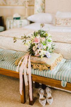 Pastel bridal bouquet inspiration. Photo: @magdalukas Wedding Planner, Destination Wedding, Wedding Venues, Flower Bouquet Wedding, Bridesmaid Bouquet, Pastel Wedding Colors, Living In Boston, Signature Cocktail, Real Weddings