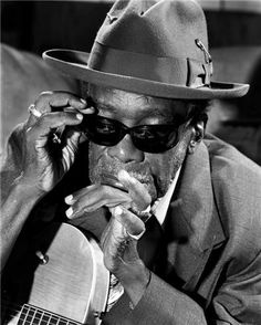 HERMAN LEONARD :: John Lee Hooker, Date Unknown