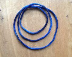 "Filzketten - Filzkette ""Nachtblau"" - ein Designerstück von Rita-Hella bei DaWanda"