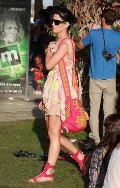 Katy Perry con un bolso tejido wayuu, QUE HABLAAAIS!