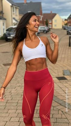 Sporty Chic, Sporty Style, Sporty Watch, Gym Motivation Quotes, Gymnastics Workout, Body Love, Athletic Wear, Active Wear For Women, Role Models
