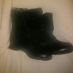US Military Issued Black Mens Boots US Military Issued Black Mens Boots Size 9 Shoes Combat & Moto Boots