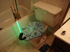 Millennium Falcon toilet seat: why isn't this real?