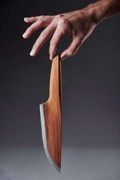 Skid, couteau en bois et carbone fait main par Lignum - Journal du Design