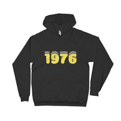 This Retro Vintage 1976 Style Hoodie is on point with the key fashion trends. The simple yet retro script has been showcased in a cool factor. Vintage Men, Retro Vintage, Hoodies, Sweatshirts, Casual Looks, Fitness, Sweaters, T Shirt, Fashion Trends
