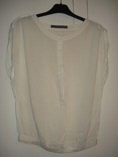 Aangeboden door vintage store Things I like Things I love: witte katoenen blouse met korte mouwen van Zara Basics, maat S.