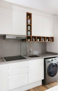 Apartamento Pequeno Decorado com Ambientes Integrados, por Renata Cáfaro Kitchen Room Design, Laundry Room Design, Kitchen Cabinet Design, Kitchen Interior, Kitchen Ideas, Home Decor Furniture, Kitchen Furniture, Washing Machine In Kitchen, Small Appartment