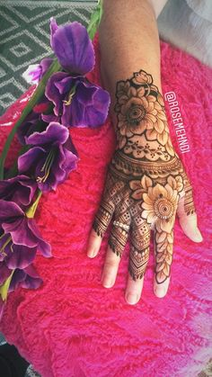 Simple tattoo unique awesome most popular Ideas Rose Mehndi Designs, Indian Henna Designs, Latest Arabic Mehndi Designs, Mehndi Designs For Girls, Modern Mehndi Designs, Mehndi Design Pictures, Wedding Mehndi Designs, Mehndi Designs For Fingers, Beautiful Mehndi Design