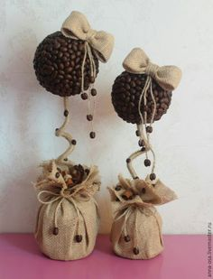Topiary & Wreths=Топиарии и венки Coffee tree in a bag - Handmade Gifts - Fair Masters www. you can find similar pins below. Jute Crafts, Diy And Crafts, Arts And Crafts, Coffee Bean Art, Deco Cafe, Sweet Trees, Coffee Crafts, Stone Crafts, Handmade Decorations