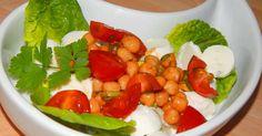 Mennyei Csicseriborsó saláta recept! Ennek a csicseriborsó saláta receptnek nagyon sok jó élettani hatása van így érdemes fogyasztani. Többek között magas a rosttartalma a csicseriborsónak, rendszeres fogyasztása jó annak, aki vérnyomás problémákkal vagy magas koleszterinszinttel küzd.