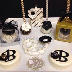 """""""O"""" Pops by Angie, Homestead, Florida. Cupcakes, Cake Cookies, Cupcake Cakes, Chocolate Covered Treats, Chocolate Dipped Oreos, Party Desserts, Mini Desserts, Oreo Pops, Cookie Pops"""