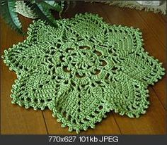 """A summery green placemat -- pattern from Better Homes and Gardens book, """"White Crochet"""""""