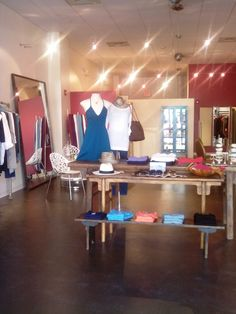 BETTE is the best women's clothing boutique in Asheville - the owner's understand how to dress a woman's body.