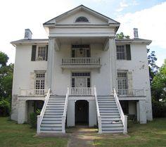 Antebellum home near Columbus, Mississippi