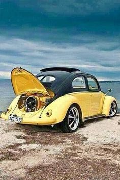 Sweet Volkswagen in the surf. Water proof your car insurance with House of Insurance in Eugene Auto Volkswagen, Vw T1, Vw Coccinelle Cabriolet, My Dream Car, Dream Cars, Carros Vw, Combi Wv, Van Vw, Vw Beach