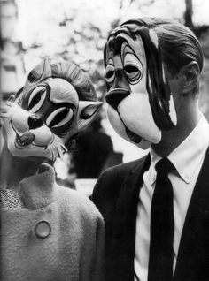 Audrey Hepburn & George Peppard                     breakfast at tiffany's