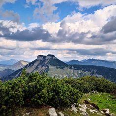Der Schmittenstein vom Schlenken. Ein Gipfel, der aus allen Richtungen beeindruckend ist.  #schmittenstein #schlenken Horst, Austria, Mountains, Instagram, Nature, Travel, Pictures, Naturaleza, Viajes