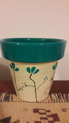 Flower Pot Art, Flower Pot Design, Flower Pot Crafts, Clay Pot Crafts, Painted Plant Pots, Painted Flower Pots, Decorated Flower Pots, Pottery Painting Designs, Terracotta Flower Pots
