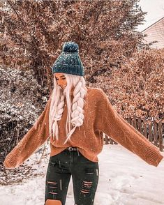 For when you want to look cute while it's snowing Trendy Fall Outfits, Casual School Outfits, Cute Teen Outfits, Teenage Outfits, Cute Comfy Outfits, Cute Winter Outfits, Winter Fashion Outfits, Outfits For Teens, Look Fashion