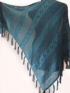 Knitted merino tassel deep-green shawl, knitte boho shawl wrap, knit accessory, woman scarf, woman shawl
