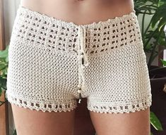 Best 12 lace shorts / white crochet shorts / crochet by senoAccessory – SkillOfKing. Crochet Shorts Pattern, Crochet Pants, Crochet Clothes, Crochet Patterns, Beach Crochet, Crochet Lace, Crochet Bikini, Double Crochet, Single Crochet