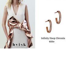 Styling by zivaazoulay showing Infinity Hoop Zirconia Ear Studs Medium Polished Rose Gold #jewellery #Jewelry #bangles #amulet #dogtag #medallion #choker #charms #Pendant #Earring #EarringBackPeace #EarJacket #EarSticks #Necklace #Earcuff #Bracelet #Minimal jewellery/minimalistic #ContemporaryJewellery #zirkonia #Gemstone #JewelleryStone #JewelleryDesign #CreativeJewellery #OxidizedJewellery #gold #silver #rosegold #hoops #armcuff #jewls #jewelleryInspiration #JewelleryInspo #accesories…