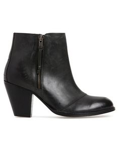 found this via @myer_mystore Black Boots, New Look, Booty, Ankle, Shoes, Fashion, Moda, Swag, Zapatos