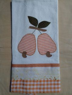 Dish Towels, Tea Towels, Sewing Projects, Projects To Try, Sewing Basics, Applique Designs, Kitchen Towels, Diy And Crafts, Patches