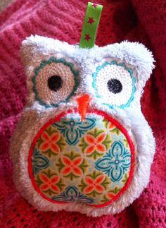 Freebie ITH owl  http://www.themadwomanoflockestreet.com/free-owl-design.php