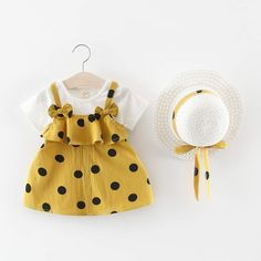 Kids Dress Wear, Kids Gown, Dresses Kids Girl, Cute Dresses, Baby Girl Fashion, Kids Fashion, Toddler Outfits, Kids Outfits, Pakistani Dresses Party