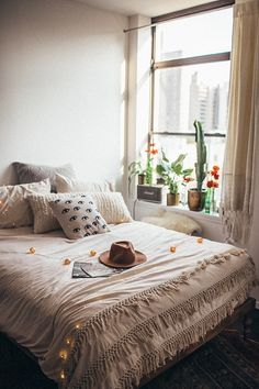 Gravity Home : Bedroom and workspace of Tessa Barton - shop the...