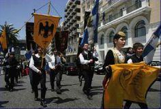 El Ministro de Educación y Asuntos Religiosos de Grecia, Konstantinos Arvanitopulos, desde la tribuna del parlamento, dijo que los libros de texto de historia para estudiantes de segundo grado de las escuelas secundarias en Grecia no se cambiarán.