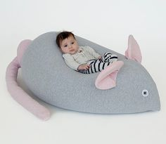 Giant Beanbag for baby kids bean bag huge mouse pouf new Cool Bean Bags, Kids Bean Bags, Kids Bags, Baby Pillows, Kids Pillows, Baby Beanbag, Bebe 1 An, Couture Bb, Bean Bag Chair