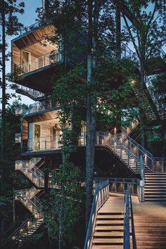 Baumhaus Auf Stelzen Von Baumraum   Places To Be - Wo Ich Einmal ... Das Magische Baumhaus Von Baumraum