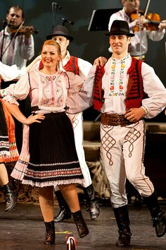 Crişana / Nederlands / România | Roemenie.jouwweb.nl Folk Clothing, Old Pictures, Costume, Popular, Embroidery, History, Country, Blouse, Pattern